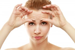 Touching your skin too much causes wrinkles!
