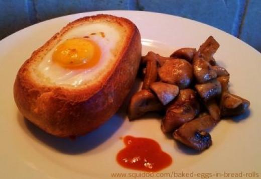 breakfast ideas baked eggs in bread rolls