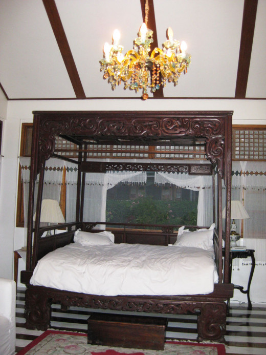 A replica of an ancient Chinese Imperial concubine bed was my chosen place to sleep. It  was a tad high with a stepping stool for our mother who would have enjoyed sleeping here for the night.