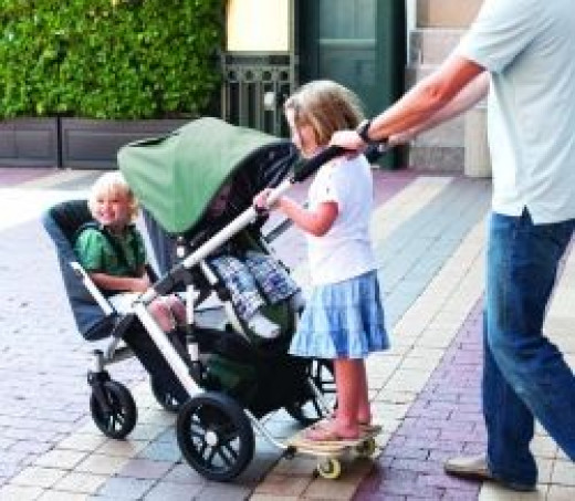 UPPAbaby Vista with 3 Children (from Babyrazzi.com)