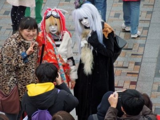 Cosplayers are usually a friendly bunch and will oblige to pose for photos when asked.