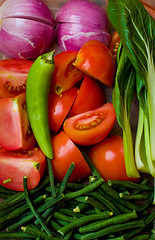 Red Onions, Ripe Tomatoes, Long Green Pepper, Long String Beans, and Green Leafy Veggies (Photo courtesy by heLLo LiLi from Flickr)