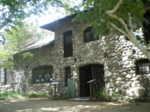 Lummis House / Commons Wikimedia