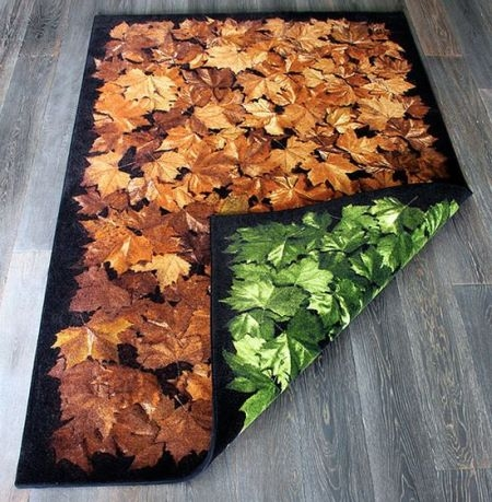 Turn the Season rug. Longing for the warm coloured autumn in mid spring? Or for the fresh greens of spring at the end of the autumn? Simply turn the seasons every time you feel like it with this versatile rug. Made of highly durable materials to last