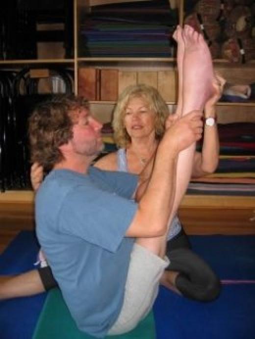 Matthew Sandford and his yoga teacher Jo Zukovich