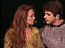 Patrick Fiori as Phoebus with Helene Segara as Esmeralda