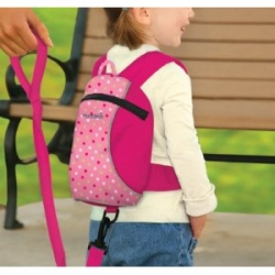 Using Baby Backpacks with Harness Safely