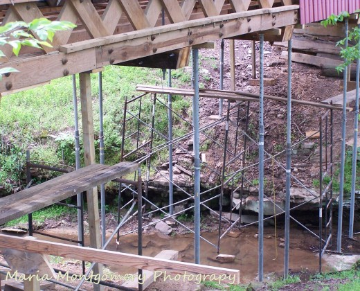 The construction supports during restoration.