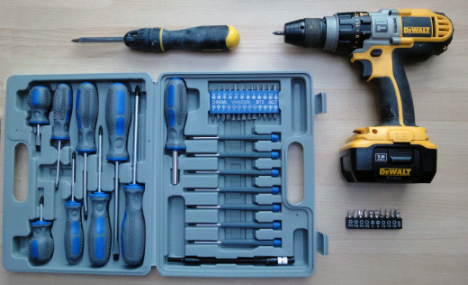 Selection of Hand and Power Screwdrivers, Ratchet Screwdriver and screwdriver bits