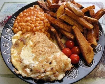 Omelette with chips and baked beans