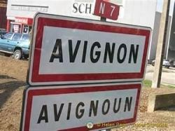 Avignon - in both French and Provencal