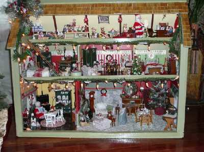 "My Doll House - ""The Claus's"""