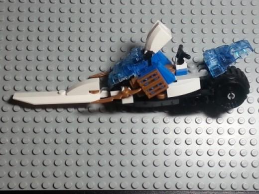 LEGO Ninjago Zane's Speeder 9445 Fangpyre VHTF
