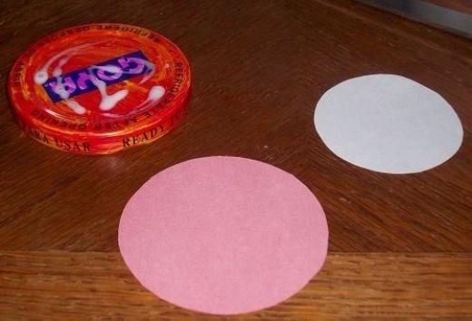 Put Glue on Valentines Day Jar Lid