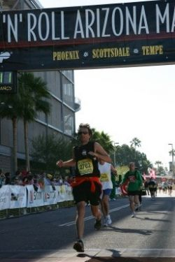 Finishing the Rock 'n' Roll Marathon in Phoenix, Arizona