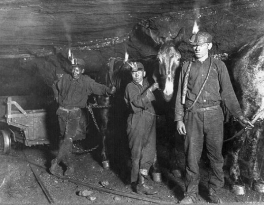 Child coal miners around 1908 This mine is in America, but it is a powerful depiction of the life that Bailey outlines in Black Diamonds. Creative Commons This photo is copyrighted but also licensed for further reuse without restrictions