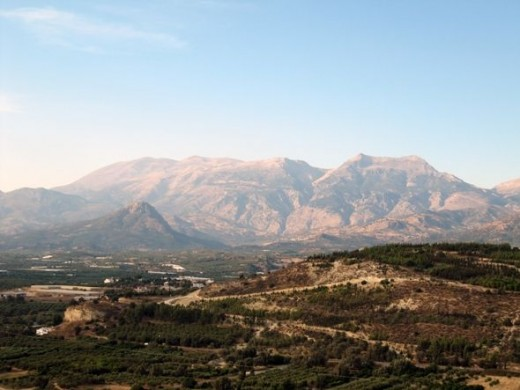 Photo of Crete landscape with mountains in the background.