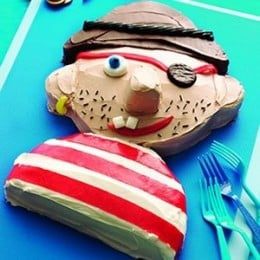 Pirate Cake Idea from: http://www.familyfeatures.com/feeds/FeatureDetailDownload.aspx?ID=2146