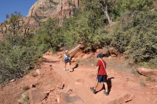Hiking the Kayenta at Zion