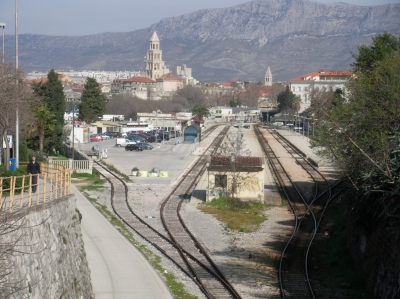 Split railway station