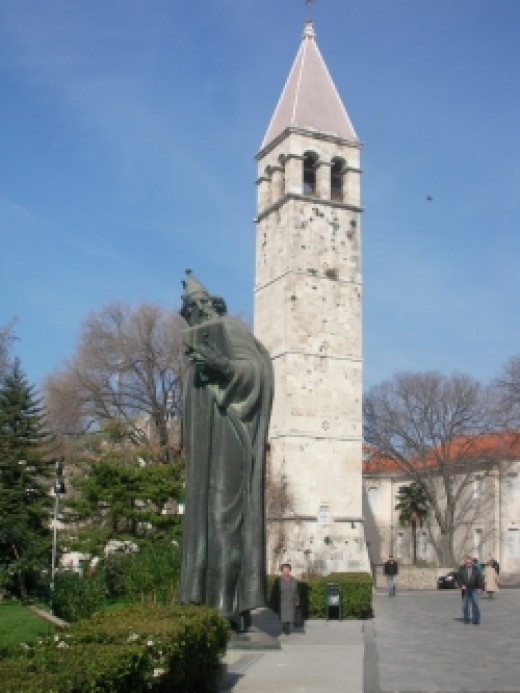 Grgur Ninski statue Split