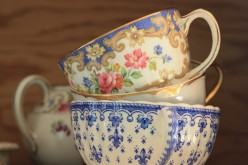 Antique Tea Cups, Collecting Gracious Living