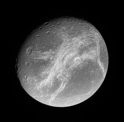 Dione                Credit:NASA