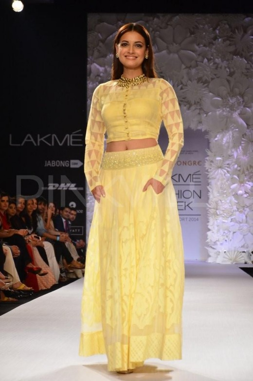 Dia Mirza for Anita Dongre at LFW 14