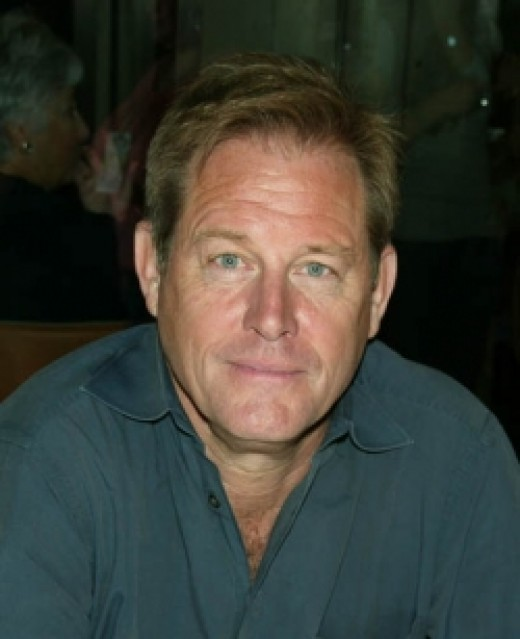 Skeeter's father, Robert Phelan will be played by Brian Kerwin
