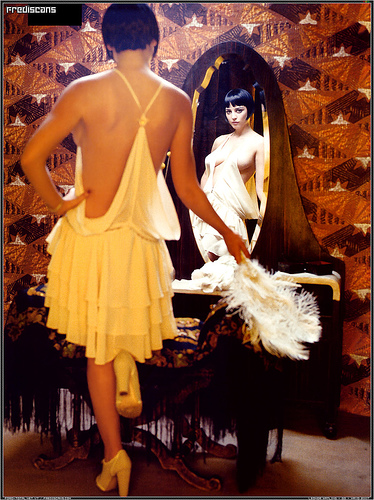 leonor watling in the mirror