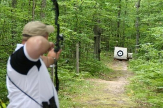 Archer shooting at Mid Michee Bowman Club