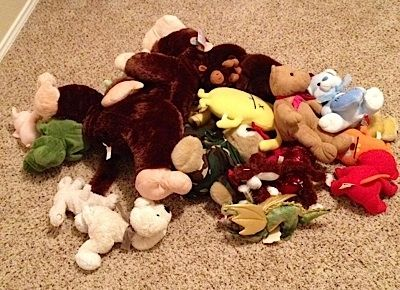 I realized that not all the stuffed animals were in the Boon animal storage bag; some my little boy likes to keep in the bed and others were toys that he had just taken out to play with, so I went and rounded up all the stuffed animals as I could fin