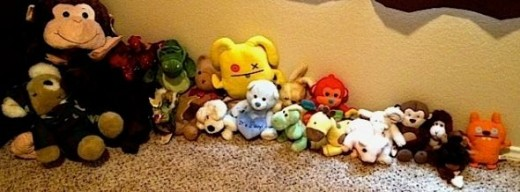 20 stuffed animals, of various sizes, fit in a single Boon Animal Bag!