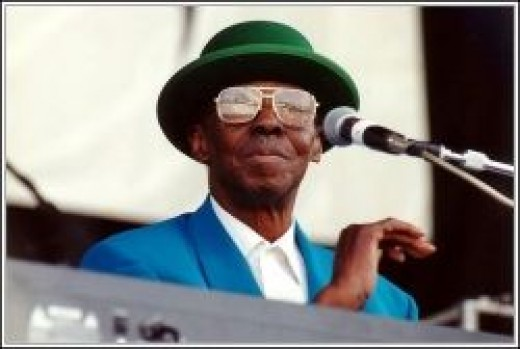 Pinetop Perkins - By Carl Lender (originally posted to Flickr as Pinetop Perkins) [CC-BY-2.0 (http://creativecommons.org/licenses/by/2.0)], via Wikimedia Commons