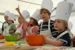 cooking children from www.belling.co.uk