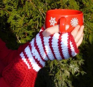 Candy Cane Fingerless Gloves FREE Crochet Pattern