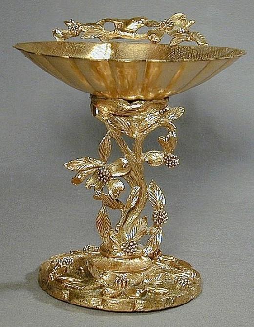 Matson Ormolu Pedestal Soap Dish Bird & Dogwood