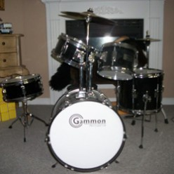 The Best Junior Drum Set for 7 - 10 Year Old Kids - Fun Christmas Gift Idea