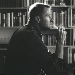 Discover Lee Child, Mystery Writer Who Makes Pages Turn