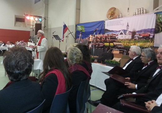 A traditional Slovenian Thanksgiving Celebration always starts with a Thanking Holy Mass, and the Choir Slomsek is singing