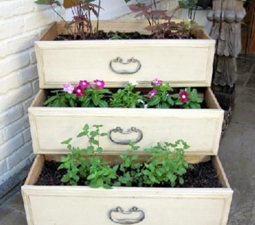 Recycled garden planter