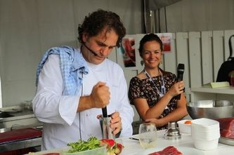 Top masterchef Alex Clevers demonstrating local gastronomy