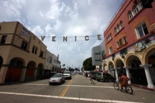 Windward Avenue, Venice, California, Today