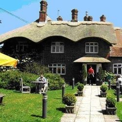 Enjoy stopovers at lovely thatched pubs