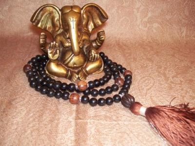 Obisidian & Rosewood Mala - Root Chakra Healing