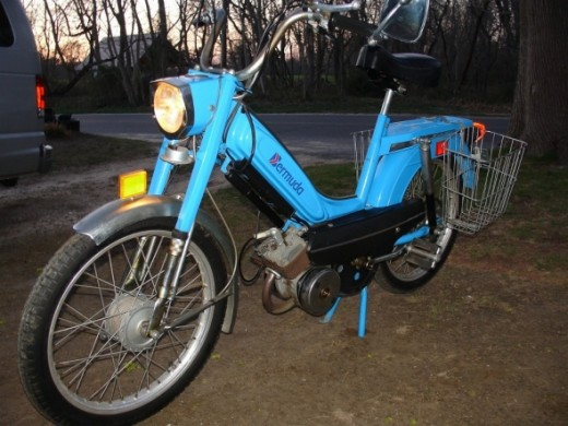 Flandria Bermuda Bike Moped 1976 with 30 orig miles!!Please click or copy URL below for SecondHandJoe!http://www.bonanza.com/listings/Flandria-Bermuda-Bike-Moped-1976-with-30-orig-miles-/38825925