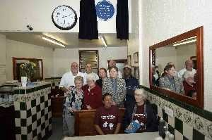 Manzies tarditional Pie n Mash Shop proudly has their Blue Plaque award hanging up for all their customers to see inside the shop.