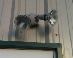 10 tips to maximize your outdoor security lighting efforts dengarden