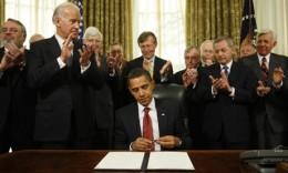 Executive order closing the Guantánamo Bay prison.