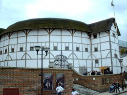 Shakespeare's Globe on the South Bank, London. Copyright GaryReggae (creative commons licence)